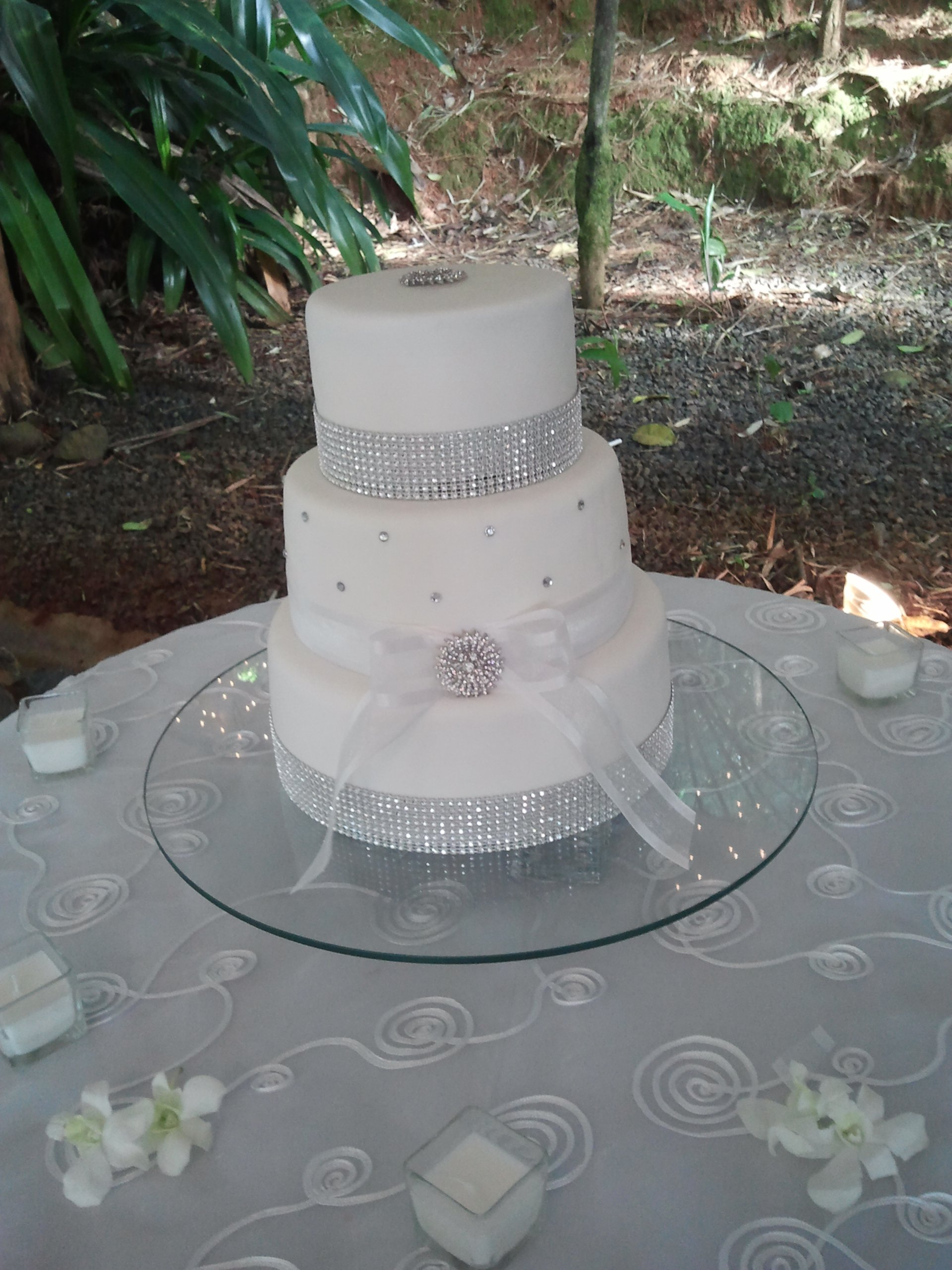 super one wedding cakes bling bling cake cakes 20632